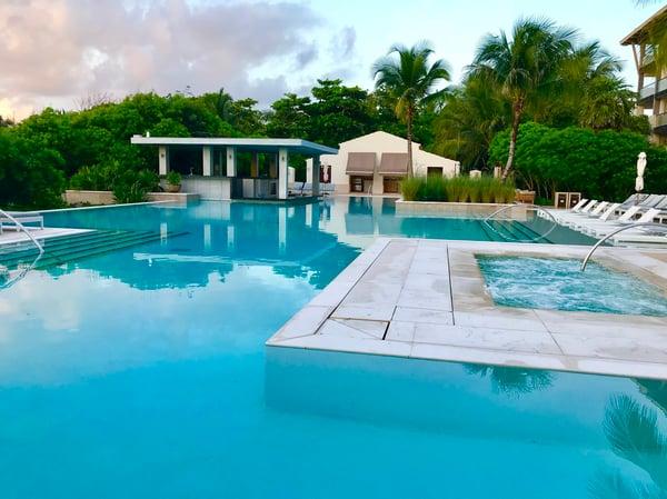 Unico 2087 Quiet Pool